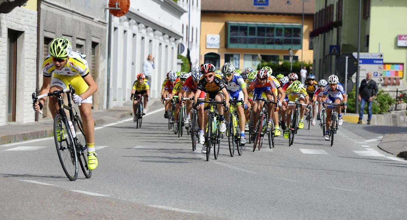 Un passaggio del Piccolo Giro d'Oro per Esordienti