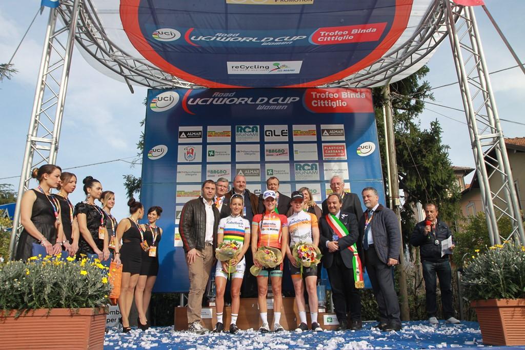 Podio finale del Trofeo Alfredo Binda 2016 (foto Fabiano Ghilardi)