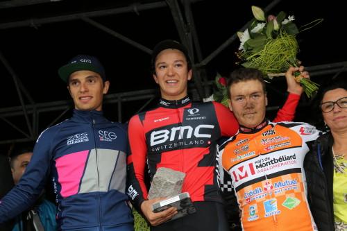 Il podio della Parigi-Roubaix Espoirs 2015 con il vincitore Lukas Spengler (BMC Development Team)