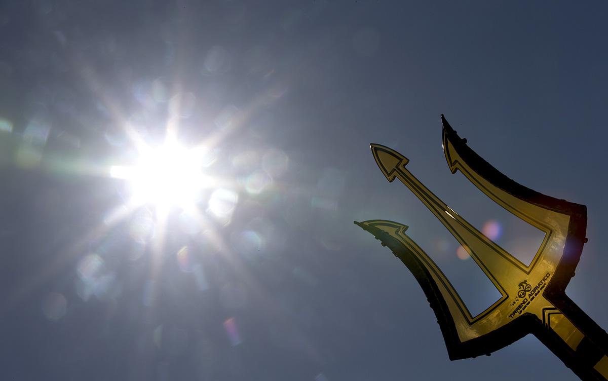 Il trofeo della Tirreno-Adriatico (foto ANSA)