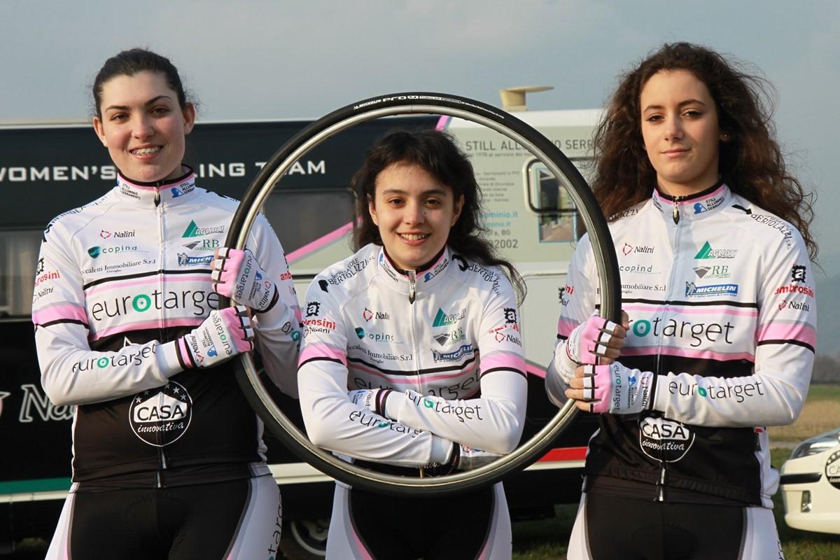 Alcune ragazze della Eurotarget Nalini Still Bike