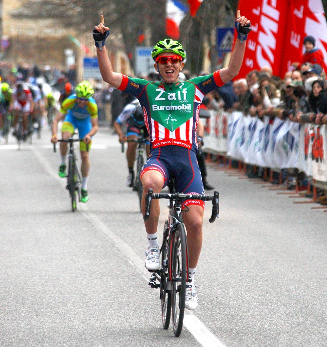 La vittoria di Nicola Bagioli (Zalf-Fior) a Montecassiano (MC)