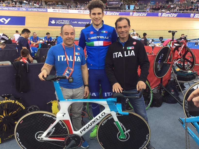 Filippo Ganna con i CT Marco Villa e Davide Cassani