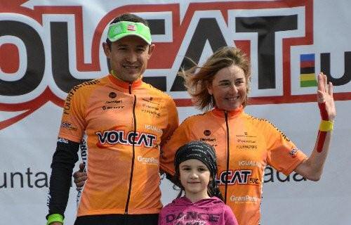 Leonardo Paez e Annabella Stropparo con la maglia di leader della Voltacat BTT
