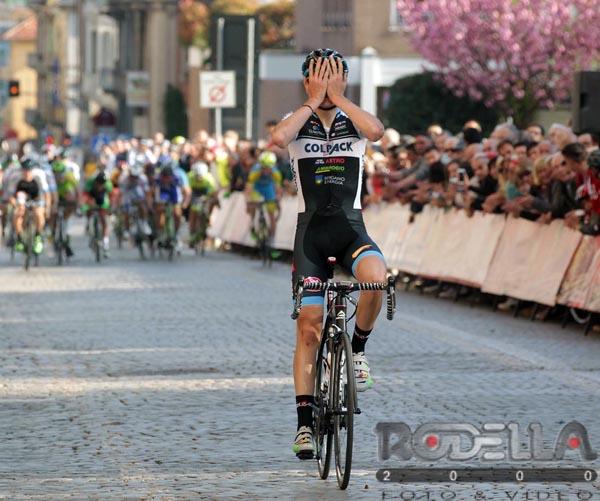 La gioia di Edward Ravasi per la vittoria nella Torino-Biella 2016