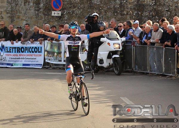 La vittoria di Simone Consonni a Castiglion Fibocchi