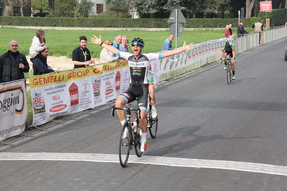 La vittoria di Andrea Toniatti (Team Colpack) a Reda di Faenza