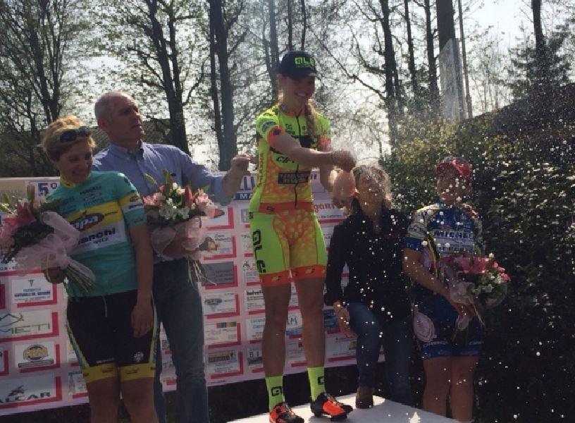 Martina Alzini fa festa sul podio di San Bassano