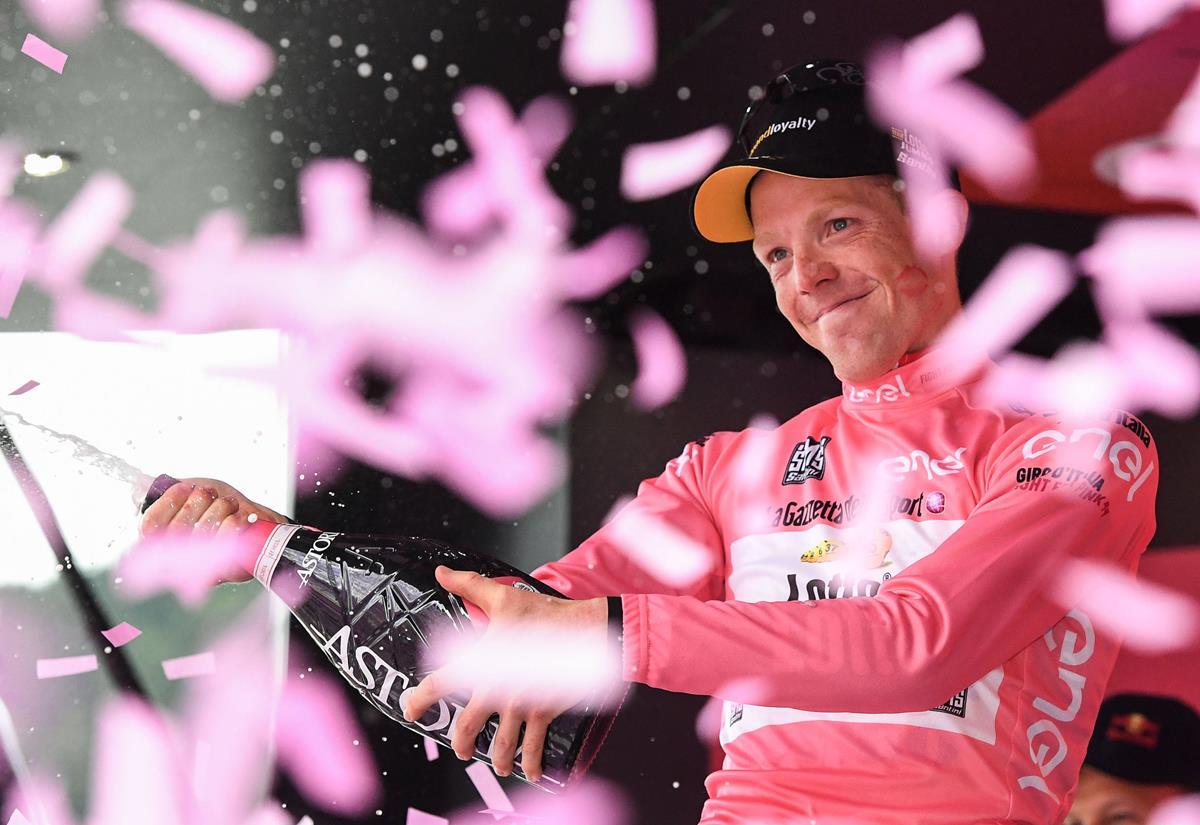 La maglia rosa Steven Kruijswijk