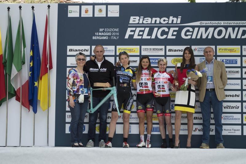 Il podio femminile del percorso lungo