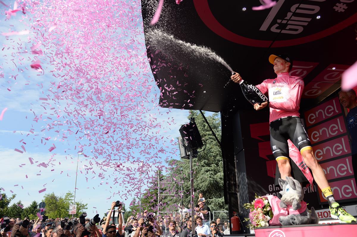 Festa per la maglia rosa Steven Kruijswijk