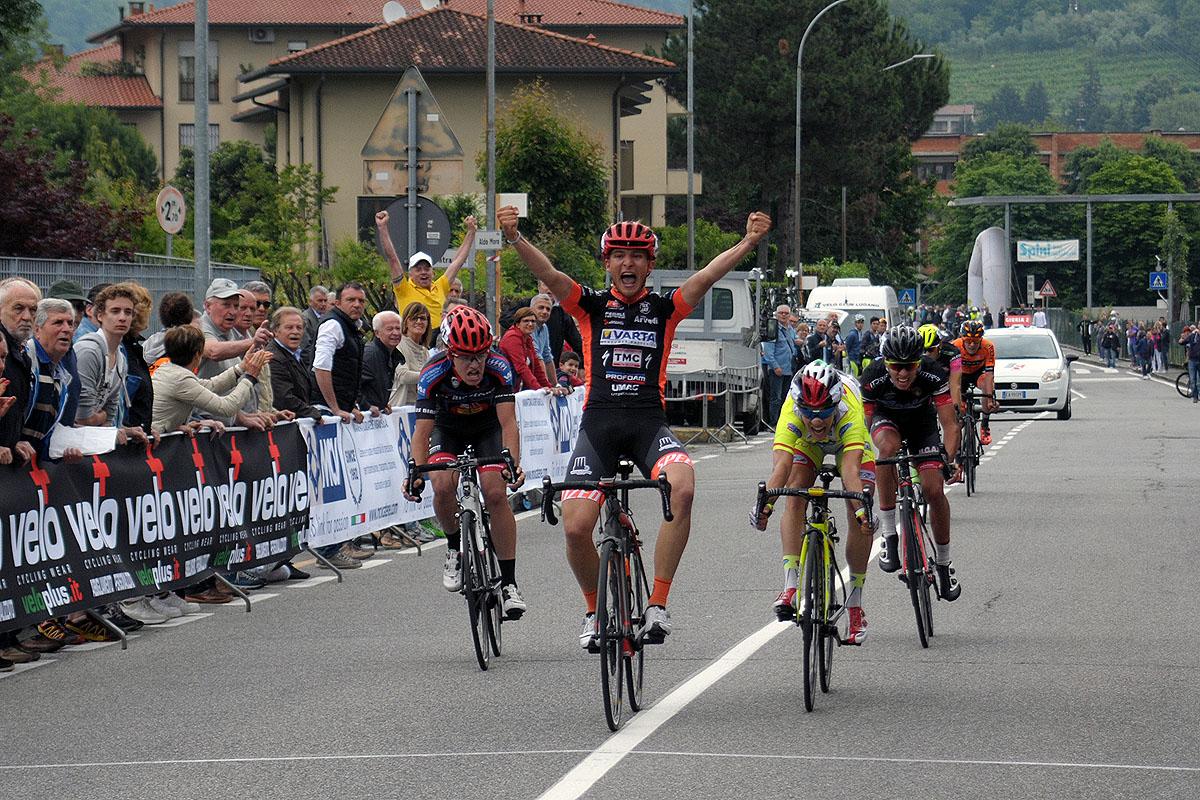 L'arrivo del Giro della Brianza 2016 vinto da Andrea Barbierato