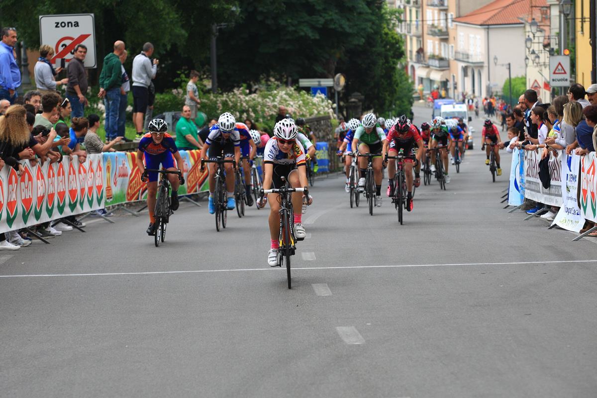 Greta Tebaldi vince la volata del gruppo