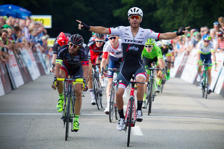 La vittoria di Giacomo Nizzolo su Andrea Pasqualon