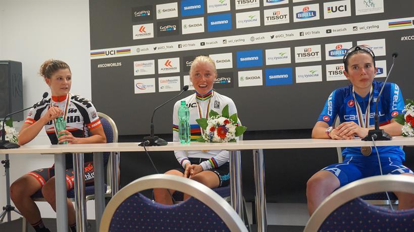 Le prime tre classificate del Mondiale XCO Donne Junior
