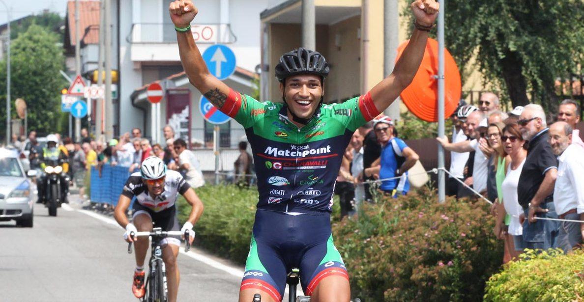 Arrivo vincente di Jalel Duranti a Ornago