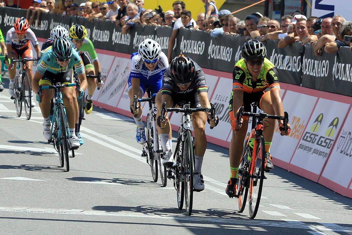 Lo sprint vincente di Giorgia Bronzini a Legano