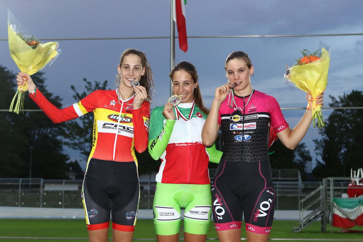 Il podio dell'Inseguimento individuale Donne Allieve con Colinelli, Guazzini e Natali