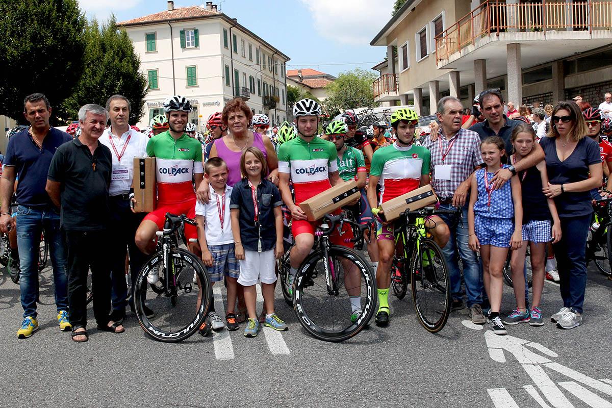 Premiati i campioni italiani al via della corsa