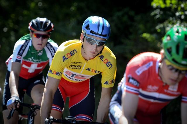 Il norvegese Amund Grondahl Jansen mantiene la maglia gialla di leader