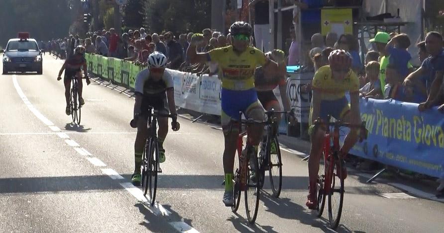 Lo sprint di Montuori su Piras