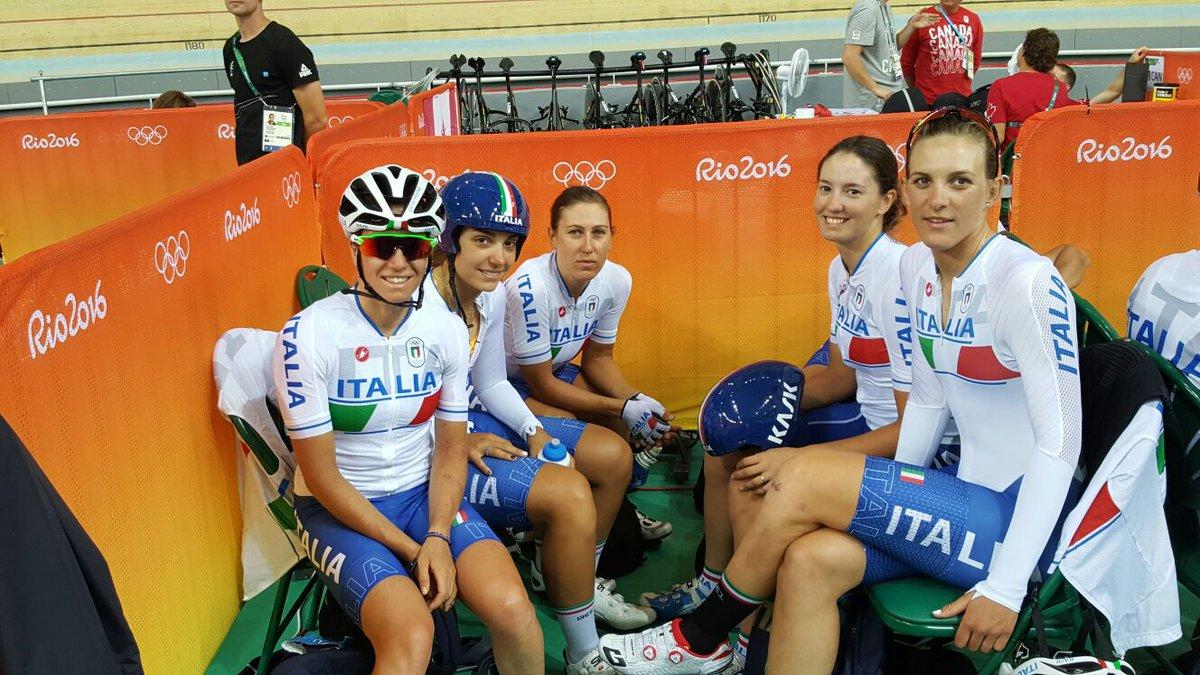 Le ragazze del quartetto azzurro su pista