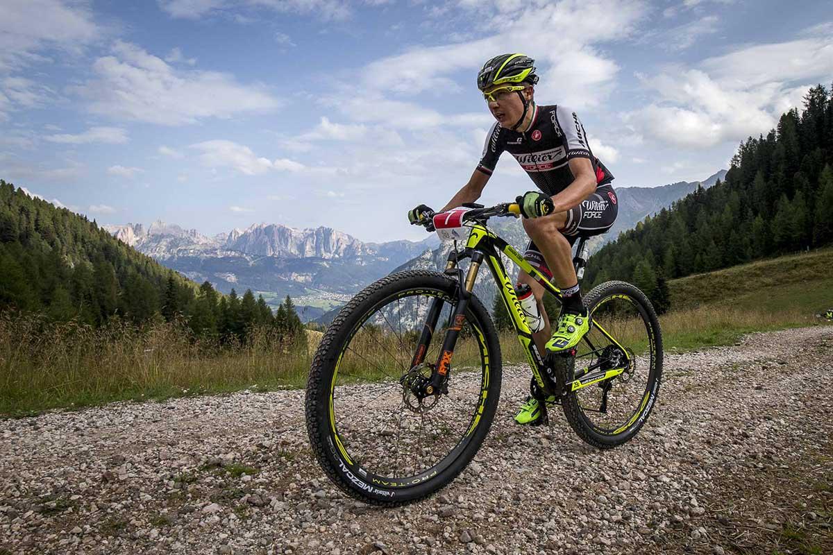 Tony Longo in azione alla Val di Fassa Bike