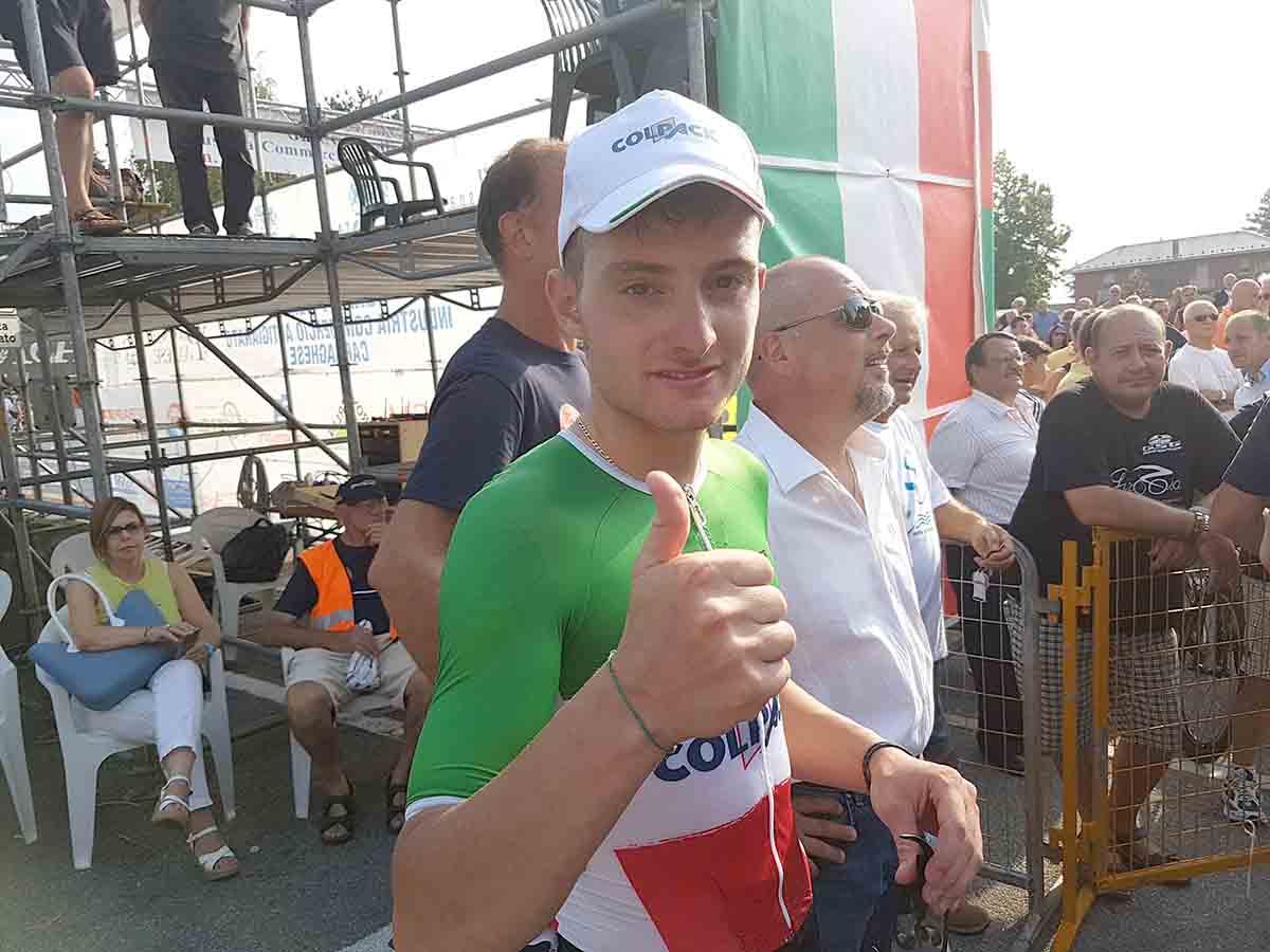 Felice Simone Consonni per la vittoria a Carnago