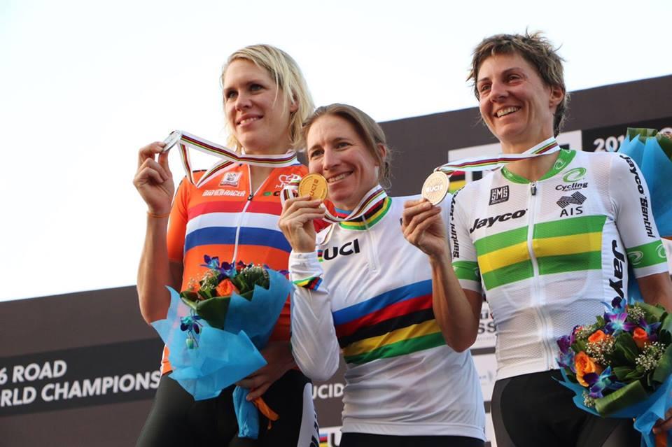 Il podio della cronometro Donne Elite dei Mondiali di Doha