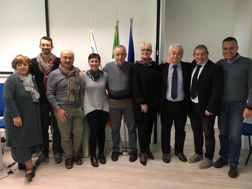 Il nuovo Consiglio Regionale con il presidente uscente Davide Balboni e il vicepresidente FCI Daniela Isetti