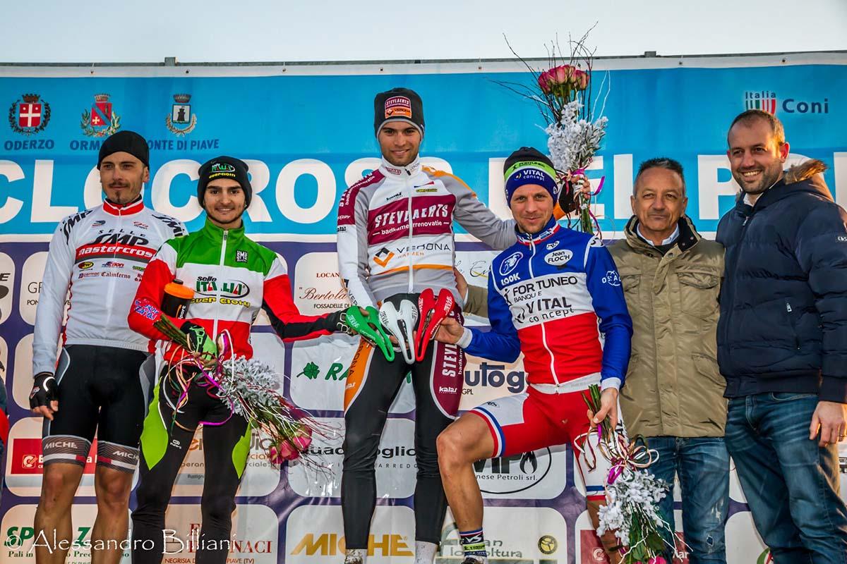 Il podio Elite del 15° Ciclocross del Ponte