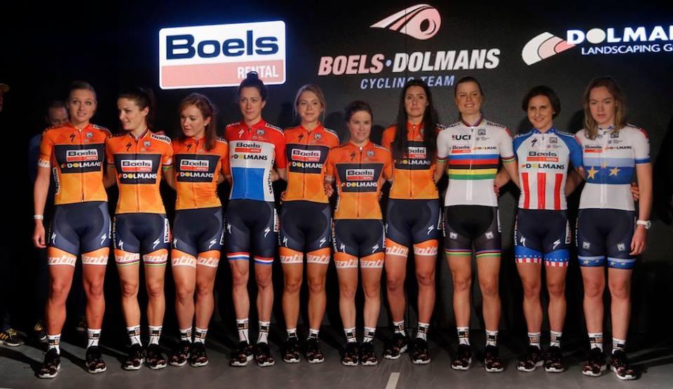 Le ragazze della Boels-Dolmans durante la presentazione