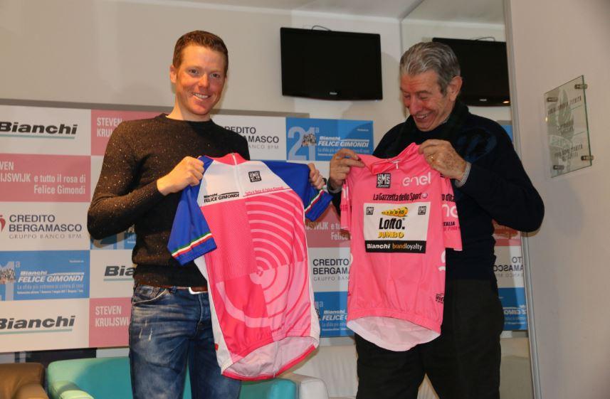 Scambio di maglie rosa tra Steven Kruijswijk e Felice Gimondi