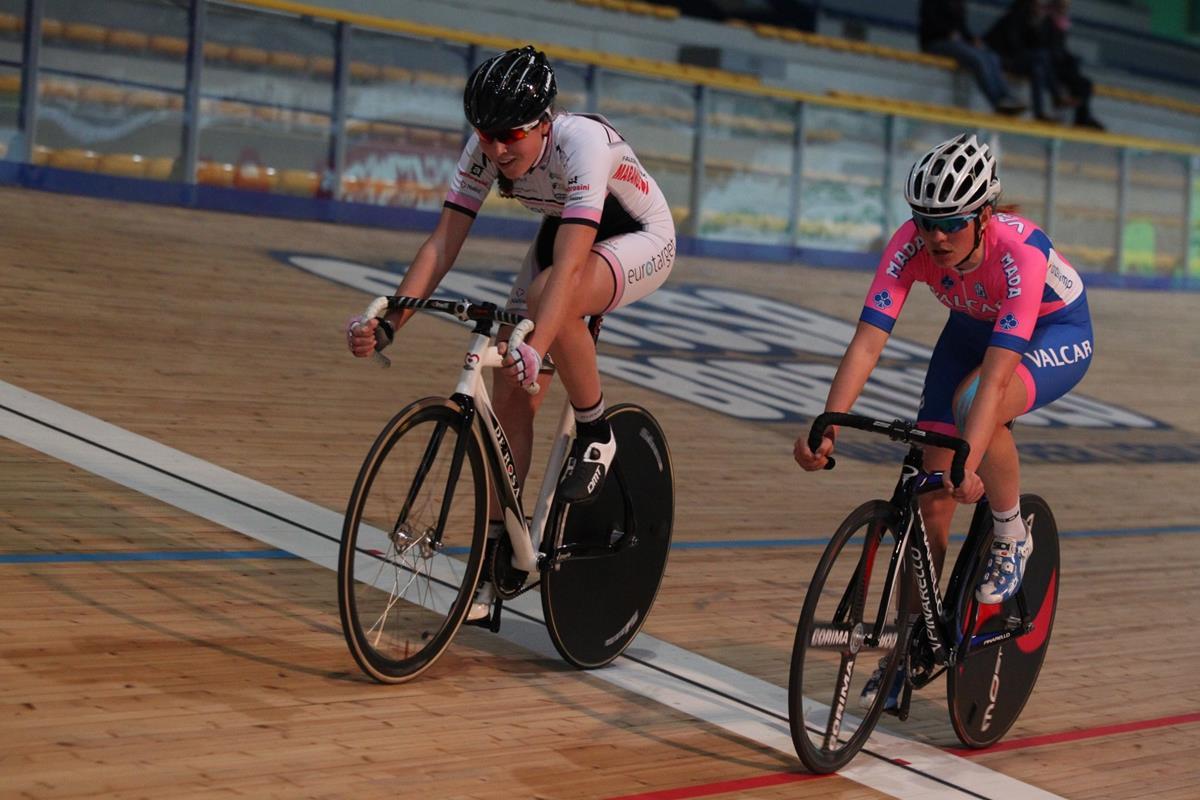 Martina Michelotti supera Claudia Cretti in una volata