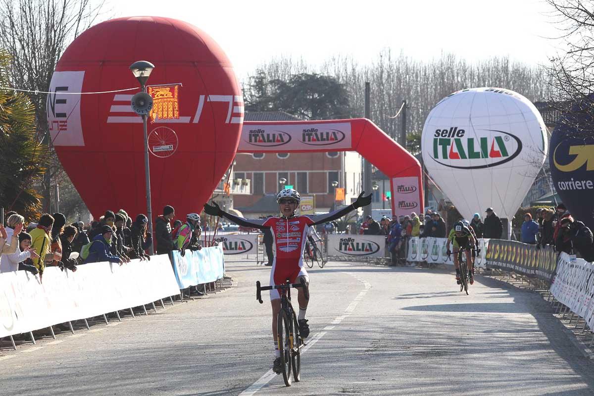 La bella vittoria tricolore del lucano Alessandro Verre a Silvelle