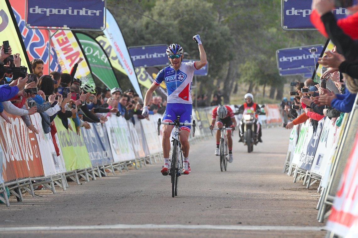 Thibaut Pinot anticipa Alberto Contador nella seconda tappa della Vuelta a Andalucia