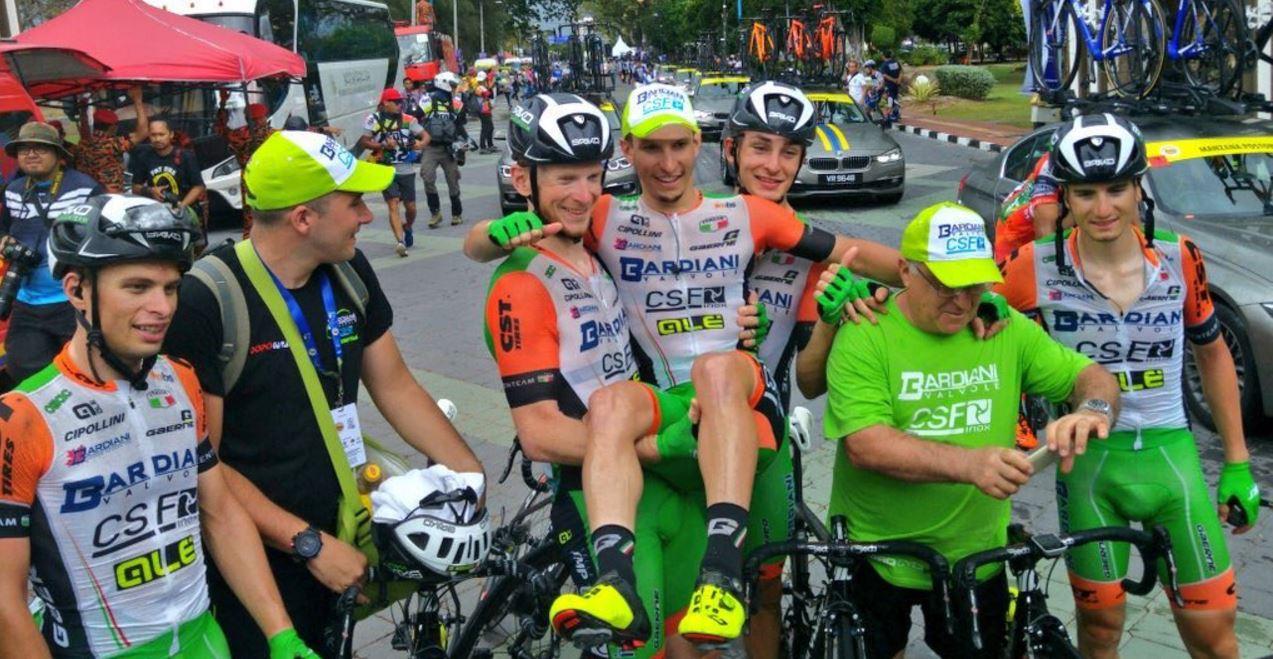 Fa festa la Bardiani CSF al Tour de Langkawi con Enrico Barbin