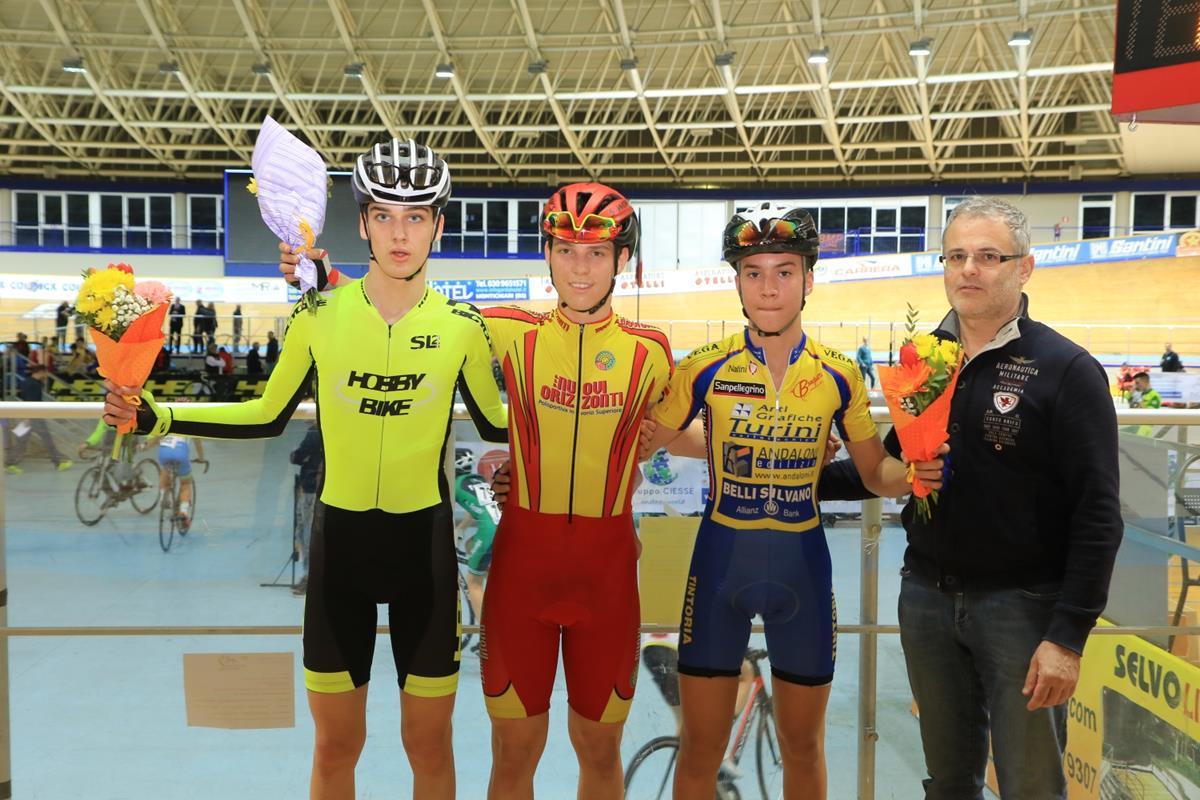 Il podio della Corsa a punti Esordienti