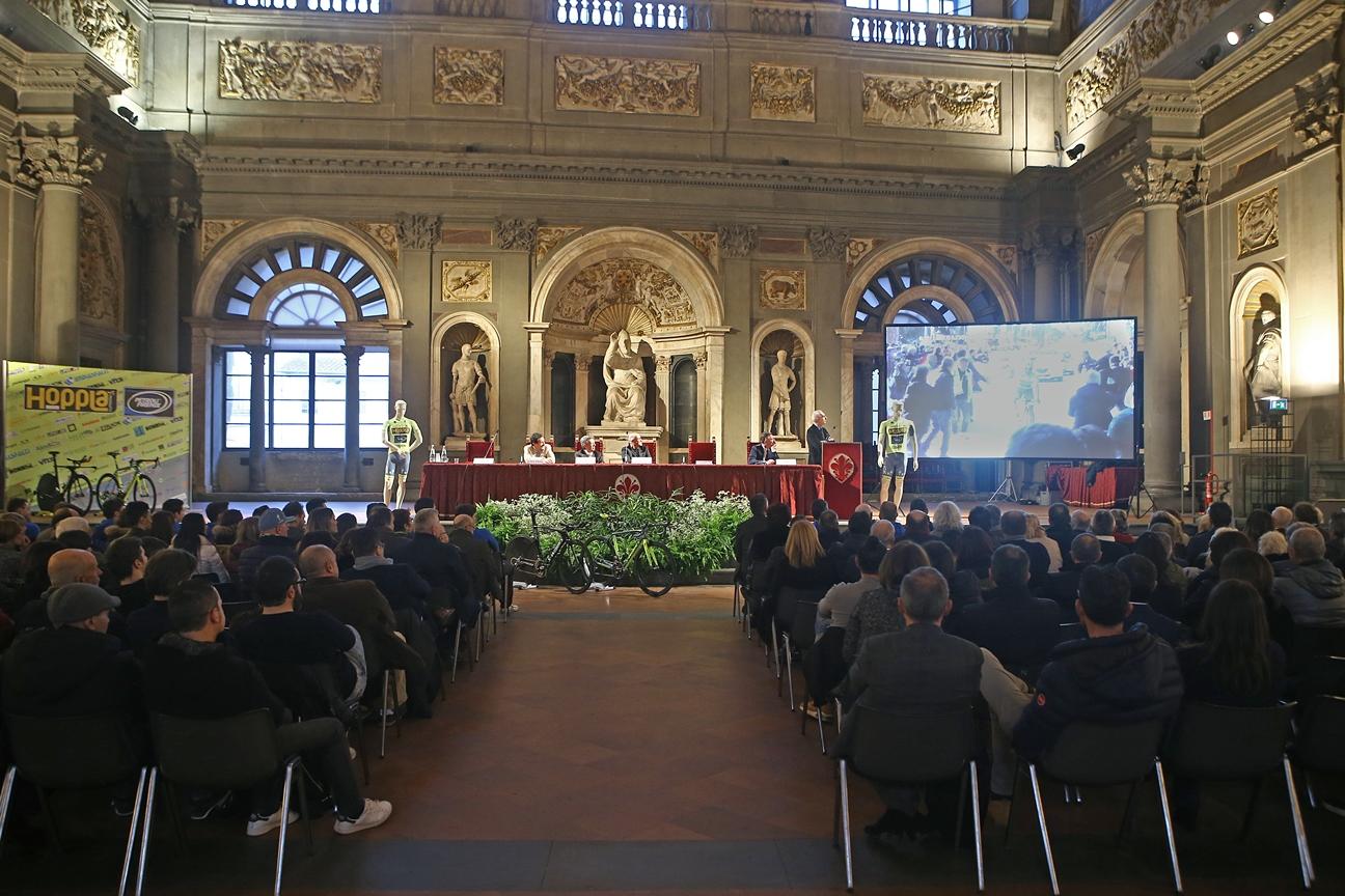 Lo splendido scenario del salone dei Cinquecento di Palazzo Vecchio a Firenze