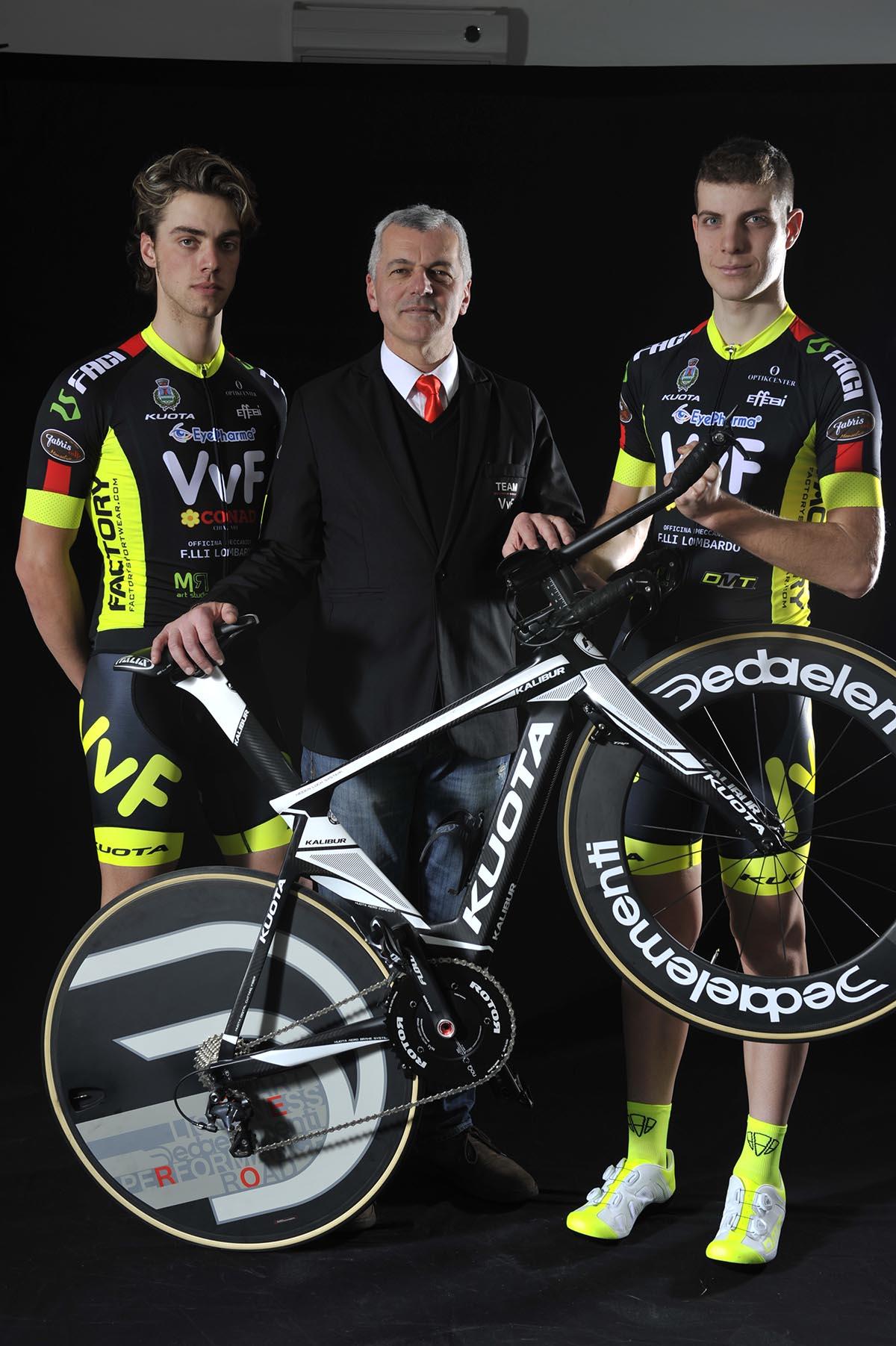Il presidente del Team VVF Roberto Portunato con la bici Kuota