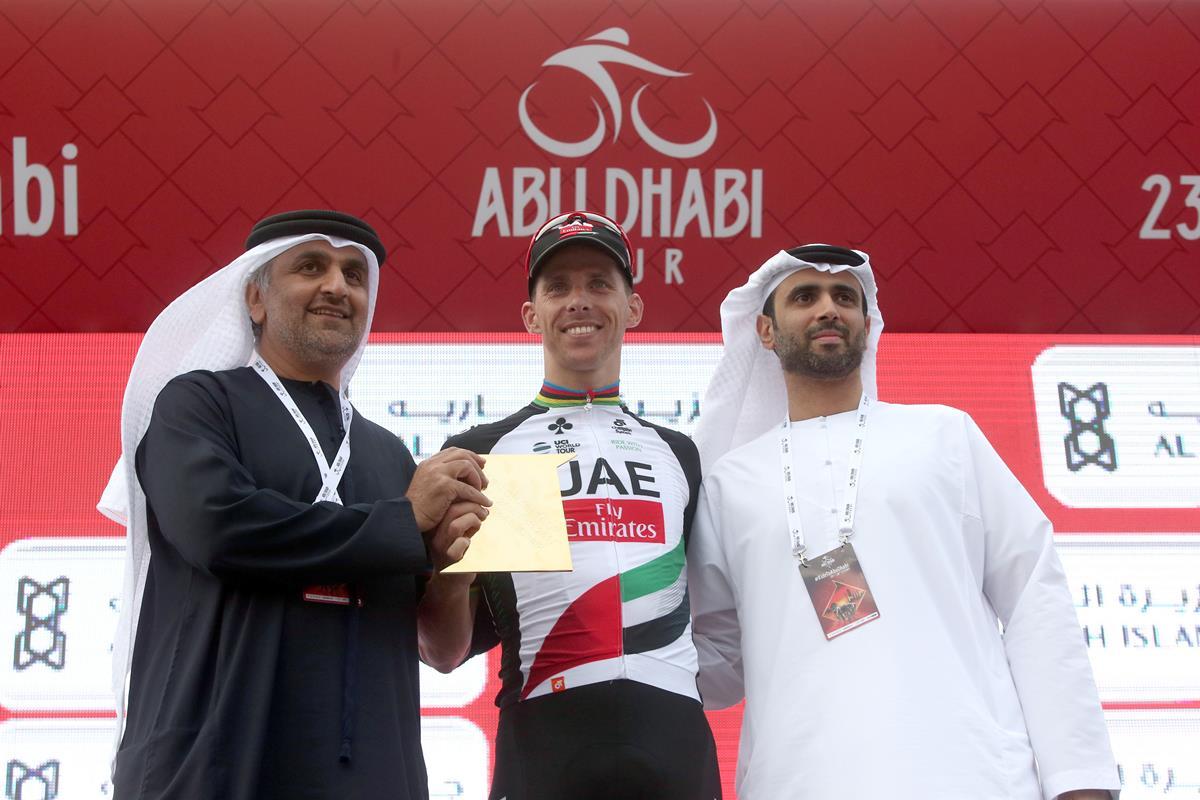 Festa in casa per l'UAE Team Emirates con Rui Costa