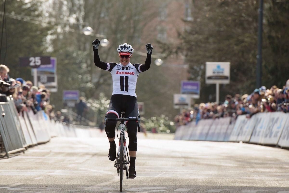 Lucinda Brand vince la Omloop Het Nieuwsblad Women Elite 2017