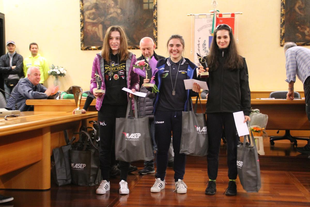Il podio Donne Esordienti della gara di Montecchio Precalcino
