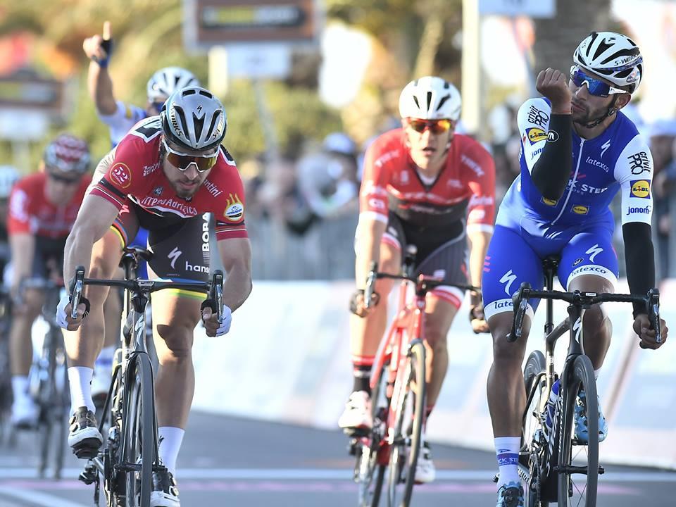 La vittoria di Fernando Gaviria su Peter Sagan a Civitanova Marche
