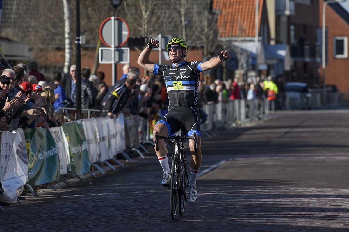 Maarten Van Trijp vince la Rabobank Dorpenomloop Rucphen