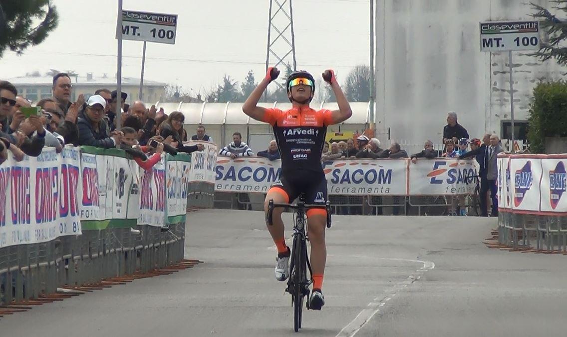 Luca Rastelli vince solitario il Gp OMVA di San Paolo d'Argon
