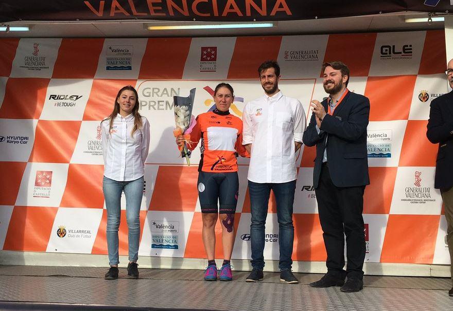 Silvia Valsecchi leader della Semana Ciclista Valenciana