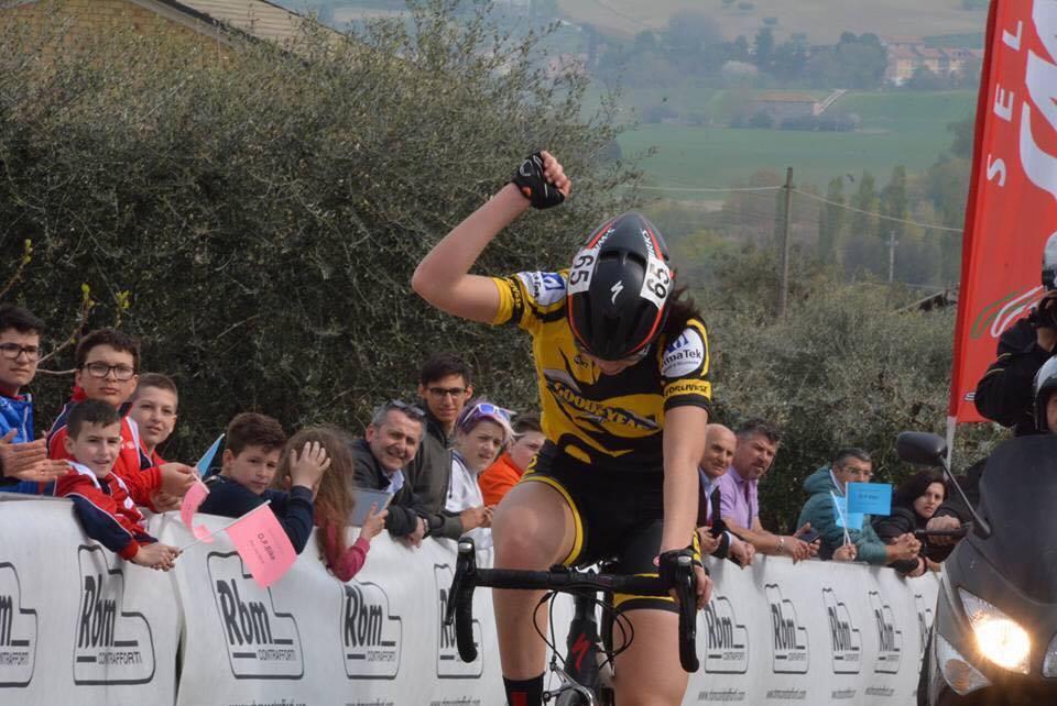 Carlotta Cipressi vince la gara Donne Esordienti di Sant'Elpidio a Mare