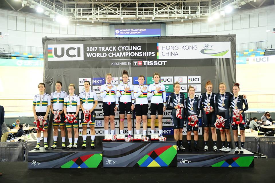 Il podio del Mondiale Inseguimento a squadre femminile di Hong Kong