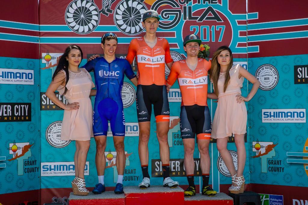 Matteo Dal-Cin sul gradino più altro del podio della prima tappa del Tour of the Gila 2017